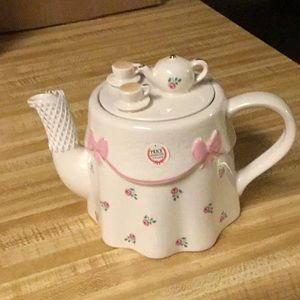 Price Kensington Ceramic Teapot
